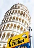 Pisa affärsföretag Arkivbild