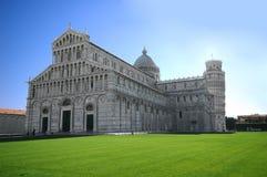 Pisa-Anziehungskraftdenkmal Stockfotos
