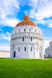 Pisa Baptistery w kwadracie cudy w Pisa, Włochy, Europa Sławna Włoska architektura Zdjęcie Royalty Free