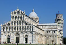 Pisa-Basilika und Kontrollturm stockfoto