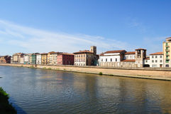 Pisa: De Rivier van Arno royalty-vrije stock fotografie