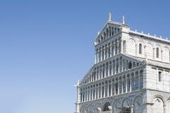 Pisa: detalhe da fachada do domo no campo de Miracoli do dei da praça fotografia de stock