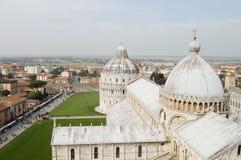 Pisa domkyrka & lutande torn - Italien Arkivbild