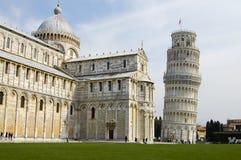 Pisa domkyrka & lutande torn - Italien Arkivfoton