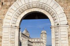 Pisa domkyrka och lutande torn i Pisa Arkivbild