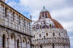 Pisa Duomo Katedralni di Pisa z Oparty wierza Pisa na piazza dei Miracoli w Pisa Fotografia Royalty Free