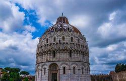 Pisa Duomo Katedralni di Pisa z Oparty wierza Pisa na piazza dei Miracoli w Pisa Zdjęcia Royalty Free