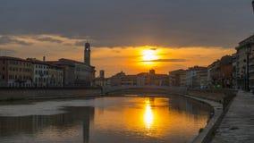 Pisa, fiume di Arno, prima serata in Toscana, Italia, Europa Immagine Stock Libera da Diritti