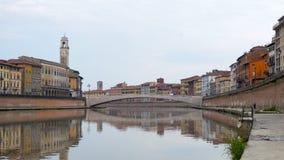 Pisa, fiume di Arno, primo mattino in Toscana, Italia, Europa Fotografia Stock Libera da Diritti