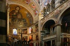 Pisa, het binnenland van de Kathedraal royalty-vrije stock foto's