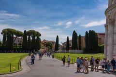 Pisa, Italië - Mei 24, 2017: Panorama van het vierkant van Mirakelen, Piazza dei Miracoli, Pisa, Italië Stock Foto's
