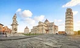 Pisa, Italië Panorama van Piazza del Duomo stock afbeeldingen