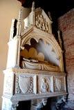 PISA, ITALIA - CIRCA FEBRERO DE 2018: El interior del cementerio monumental en el cuadrado de milagros imagenes de archivo