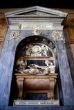 PISA, ITALIA - CIRCA FEBRERO DE 2018: El interior del cementerio monumental en el cuadrado de milagros foto de archivo libre de regalías