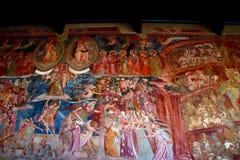 PISA ITALIEN - CIRCA FEBRUARI 2018: Freskomålning i Camposanto Monumentale på fyrkanten av mirakel royaltyfri fotografi