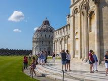 2017 Pisa katedra przy Miracoli kwadratem PISA WŁOCHY, WRZESIEŃ 13 - Obraz Stock