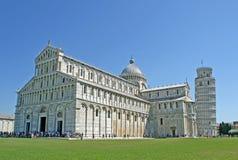 Pisa-Kontrollturm, der im Quadrat von Wundern hängt Lizenzfreie Stockbilder
