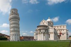 Pisa-Kontrollturm und Kathedrale lizenzfreie stockfotos