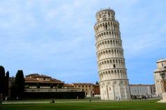 Pisa-leunende toren Stock Afbeelding
