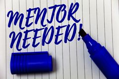 Pisać nutowemu pokazuje mentorowi Potrzebnym Motywacyjnym wezwaniu Biznesowa fotografia pokazuje przewodnictwo rada poparcia szko Obraz Stock
