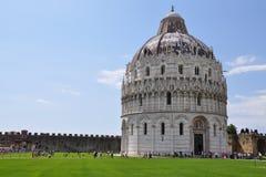 Pisa, piazza dei miracoli z bazyliką, Zdjęcia Stock