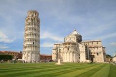 Pisa: Turister i fyrkanten av mirakel, Tuscany, Italien Arkivfoto