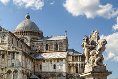 Pisa (Tuscany) - The Cathedral and a statue Stock Photography