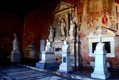 PISA, WŁOCHY - OKOŁO LUTY 2018: Wnętrze Monumentalny cmentarz przy kwadratem cudy obraz stock