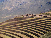 Pisac, pistas colgantes peruanas Imagenes de archivo