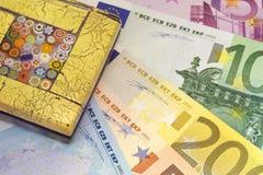Pisapapeles para el dinero en circulación Fotografía de archivo libre de regalías