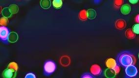 Piscando o efeito de néon das festões coloridas, dê laços em elementos capazes filme