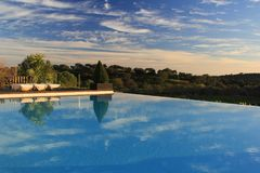 Piscina, acqua blu, rilassamento, ricreazione, turismo, vista, trasparenza Fotografia Stock