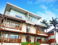 Piscina alla località di soggiorno Kui Buri, Prachuap Khiri Khan, Tailandia dell'albergo di lusso della spiaggia Fotografie Stock