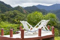 Piscina com as montanhas tropicais de Rurrenabaque Fotos de Stock