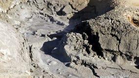 Piscina de ebullición del fango metrajes