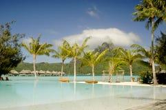 Piscina del horizonte en Bora Bora Fotografía de archivo libre de regalías