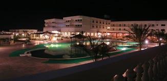 Piscina del hotel Imagen de archivo libre de regalías
