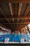 Piscina dell'interno olimpica Fotografia Stock