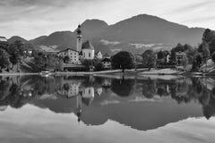 Piscina della natura in Reith, Austria Immagine Stock