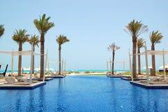 Piscina do hotel de luxo imagens de stock royalty free