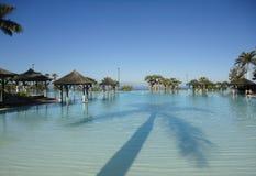 Piscina do recurso do hotel da praia Foto de Stock