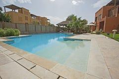 Piscina ed esterno di una villa tropicale di lusso di festa Fotografie Stock Libere da Diritti