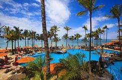 Piscina en la playa de Waikiki, Hawaii fotografía de archivo libre de regalías