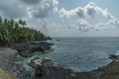 Piscina oceánica de la isla tropical de Sao Tome foto de archivo libre de regalías