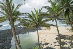 Piscina oceánica de la isla tropical de Sao Tome imagen de archivo