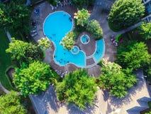 Piscina típica do apartamento da vista aérea em América Fotos de Stock Royalty Free