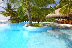 Piscina tropical agradable Fotos de archivo
