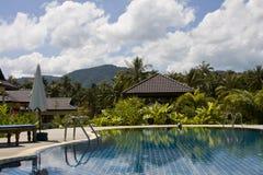 Piscina tropical bonita. Tailândia. imagens de stock
