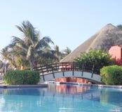 Piscina tropical del centro turístico Fotografía de archivo