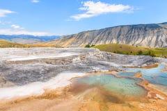 Piscinas calientes minerales del parque nacional de Yellowstone Área de Mammoth Hot Springs Imagen de archivo libre de regalías